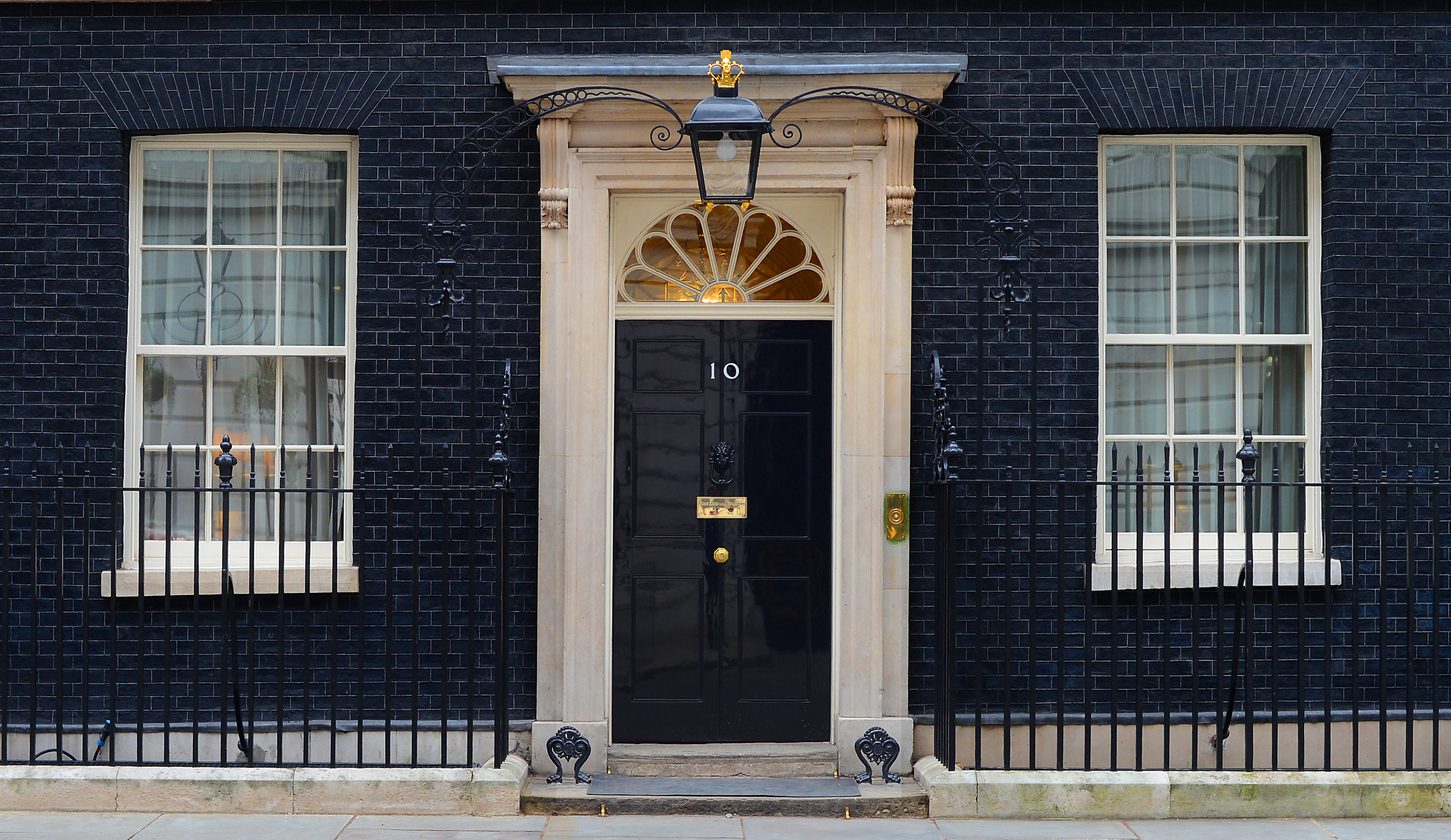 no 10 downing street sash window