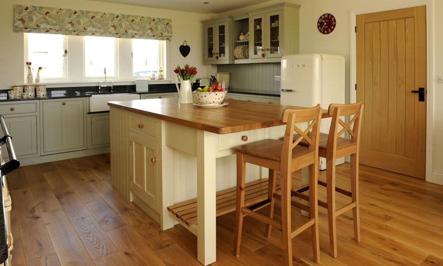 wooden cupboard knob in situ kitchen